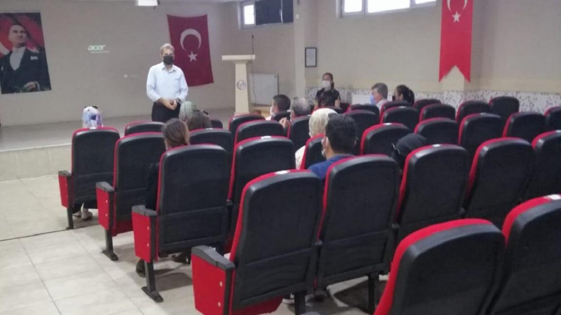 İlçemiz DİKAB , PDR Öğretmenlerine İmam Hatip Lisesi ve İmam Hatip Ortaokulları Tanıtım Toplantısı Yapıldı.